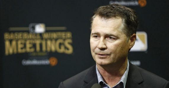 Mariners manager Scott Servais addresses allegations of racism from Dr. Lorena Martin