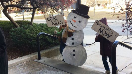 'Dusty the Snow Man:' We Energies protest takes on holiday theme