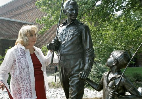 Actress Betty Lynn, Thelma Lou of 'The Andy Griffith Show,' dies age 95