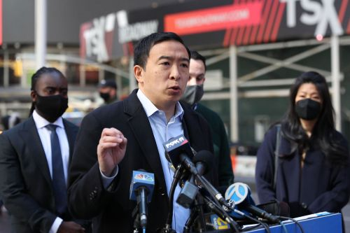 Andrew Yang lays into 'defund the police' after Times Square shooting