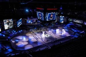 Stars lead Lightning 3-1 after 2 periods in Game 1 of final